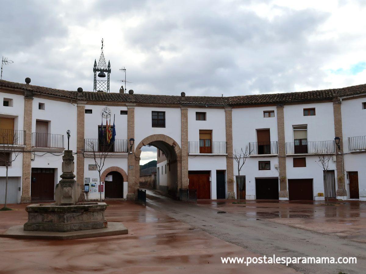 La plaza ochavada de Chodes