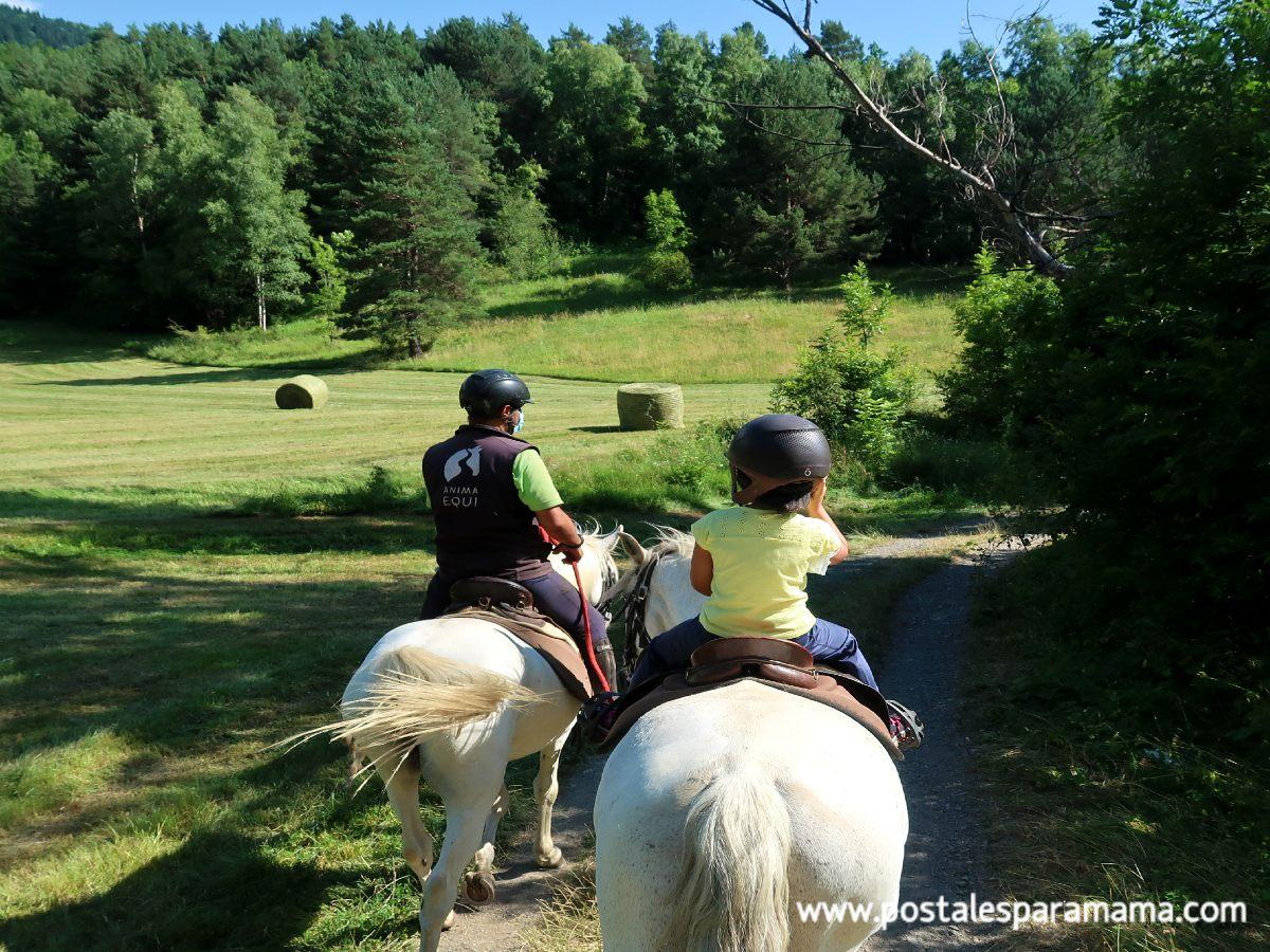 Montar a caballo en familia